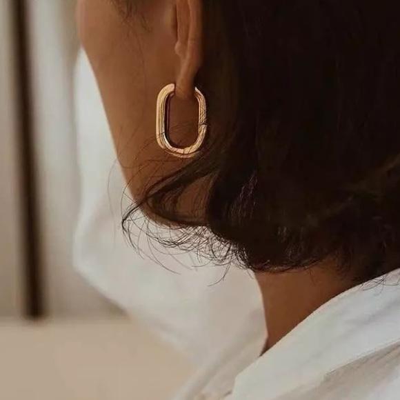 Gold Hoop earrings minimal inspired by Mejuri S925